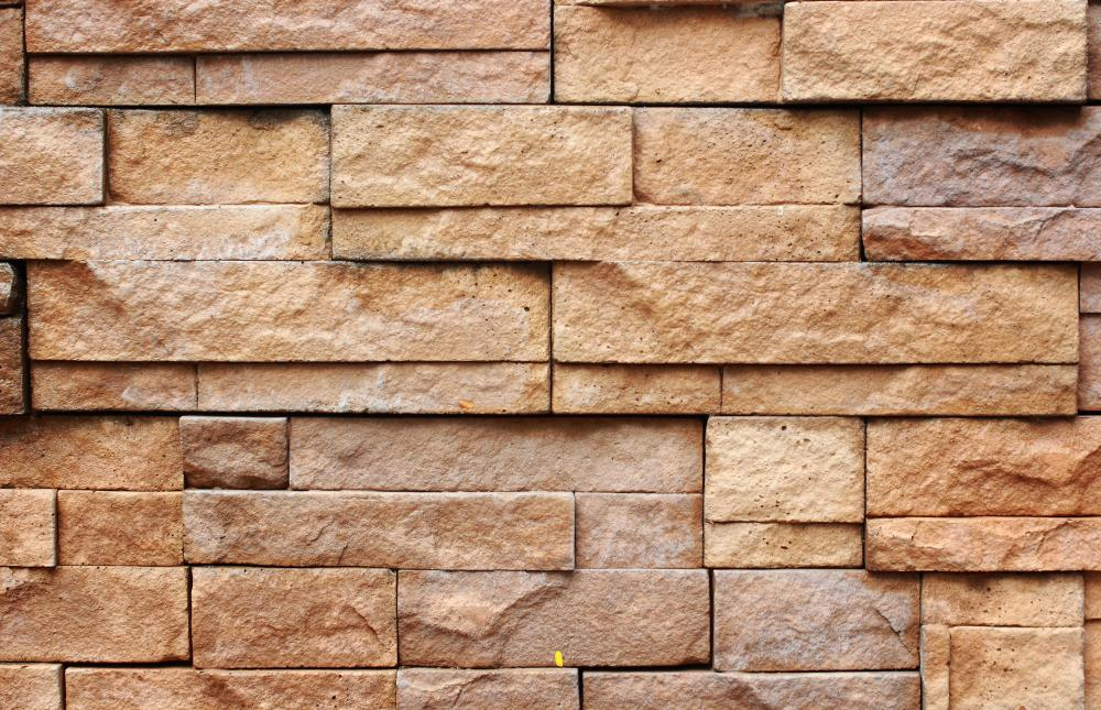 Sandstone contains quartz and can be used for building decorative walls.